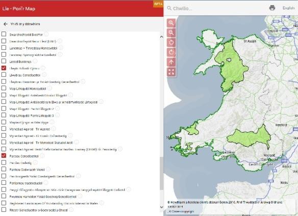 Map Cymru ar Lle yn angos Llwybr Arfordir Cymru a Parciau Cenedlaethol